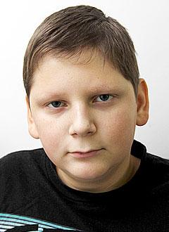 Паша Нечипорук, 12 лет, миелодиспластический синдром, предраковое состояние, спасет трансплантация костного мозга. 2338454 руб.