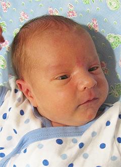 Данил Герасимов, 2 недели отроду, врожденная правосторонняя косолапость, требуется лечение. 120000 руб.