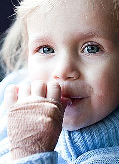 Катя Климишина, 2 года 11 месяцев, атипичный гемолитико-уремический синдром, требуется лекарство. 1268000 руб.