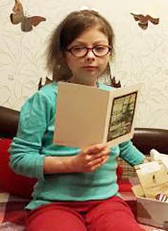 Аня Бурилова, 16 лет, острый лимфобластный лейкоз, осложнение после трансплантации костного мозга, требуется лечение в клинике Королевского колледжа (Лондон, Великобритания). 3997960 руб.