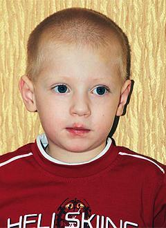Дима Василевский, 4 года, врожденный порок сердца, единственный желудочек сердца, состояние после операции Фонтена, спасет эндоваскулярная операция. 333750 руб.