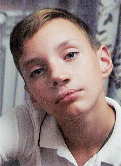 Даня Родионов, 13 лет, врожденная расщелина губы и нёба, рубцовая деформация губы и носа, требуется операция. 292000 руб.