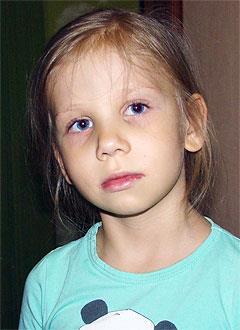 Генриетта Пузанова, 6 лет, сложный врожденный порок сердца, состояние после операции Фонтена, спасет эндоваскулярная операция. 492257 руб.