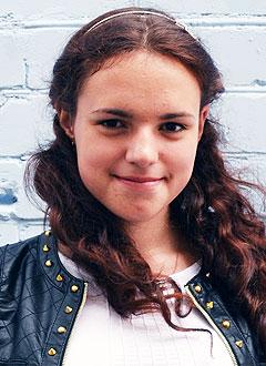 Вика Митрофанова, 17 лет, двусторонняя нейросенсорная тугоухость 4-й степени, требуются слуховые аппараты. 182280 руб.
