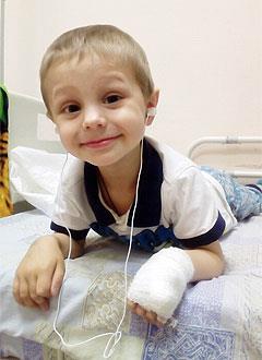Никита Уринов, 3 года, злокачественная опухоль – нейробластома правого надпочечника, спасет лекарство. 4526260 руб.