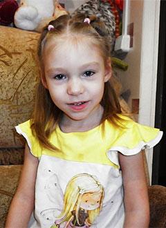 Настя Гуськова, 4 года, детский церебральный паралич, требуется специальный тренажер для ходьбы. 126186 руб.