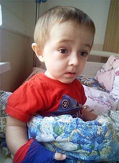 Илья Балкин, 3 года, несовершенный остеогенез, требуется курсовое лечение. 527310 руб.