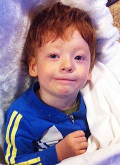 Платон Ключников, 5 лет, детский церебральный паралич, требуется лечение. 199430 руб.