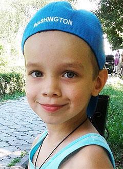Марк Калашников, 6 лет, врожденная левосторонняя косолапость, рецидив, требуется хирургическое лечение. 151900 руб.