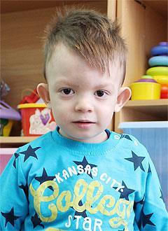 Леня Анучин, 3 года, двусторонняя тугоухость 1–2-й степени, требуются слуховые аппараты. 191969 руб.