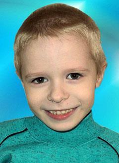 Рома Енваев, 6 лет, врожденная двусторонняя косолапость, рецидив, требуется лечение. 206150 руб.