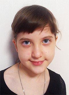 Настя Шабанова, 8 лет, хроническая двусторонняя сенсоневральная тугоухость 4-й степени, требуются слуховые аппараты. 205933 руб.