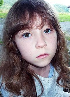 Ксюша Полякова, 9 лет, врожденный порок сердца, спасет эндоваскулярная операция, требуется окклюдер. 197470 руб.