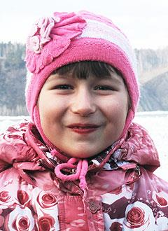 Надя Недзелюк, 9 лет, нарушение ритма сердца, врожденная атриовентрикулярная блокада, спасет имплантация электрокардиостимулятора. 152149 руб.