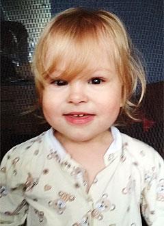 Настя Федорова, 2 года, несовершенный остеогенез, требуется курсовое лечение. 527310 руб.