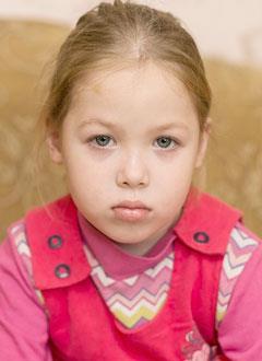 Кира Шорникова, 5 лет, врожденный порок сердца, спасет эндоваскулярная операция, требуется окклюдер. 294142 руб.