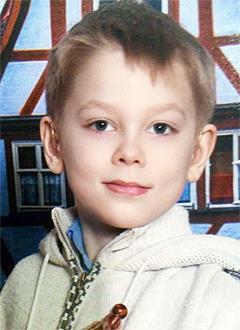 Кирилл Игнатьев, 8 лет, двусторонняя тугоухость 4-й степени, требуются слуховые аппараты. 314650 руб.