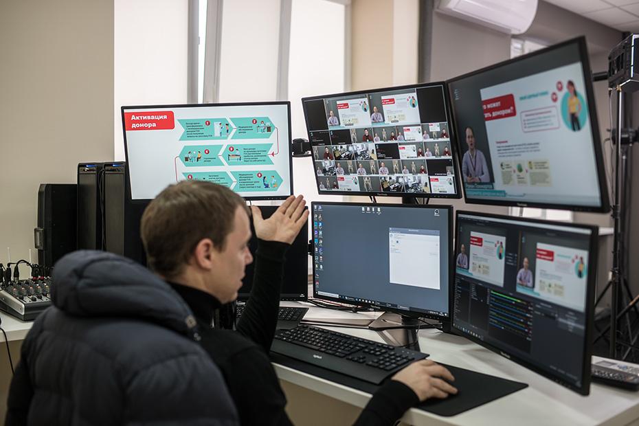В Детской городской поликлинике №1 Ростова-на Дону есть собственная телестудия, которая вещает в школы области